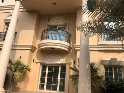 فیلا 4 غرف نوم للايجار في الصفا، دبي - Independent 4 B/R Deluxe Villa with 2 Service Quarters & Majis | Private Pool and Garden | Al Safa