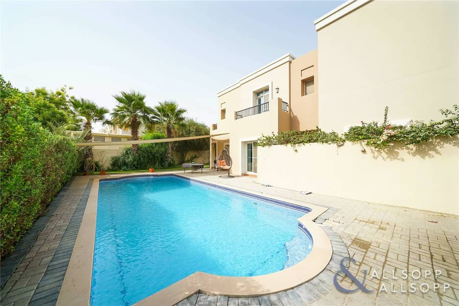4 Beds | Private Pool | Close to the Park
