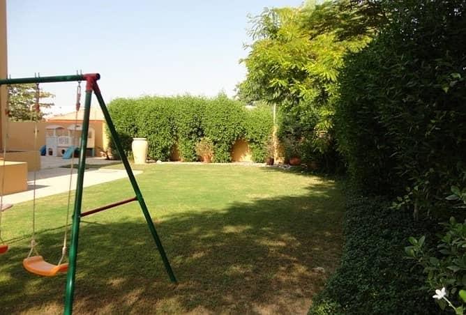 Very nice 4 Bedroom plus study villa with pvt garden in Umm SUqeim