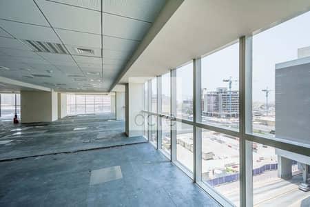 مکتب  للايجار في شارع الشيخ زايد، دبي - Fitted Office | Close to Metro | Mid Floor