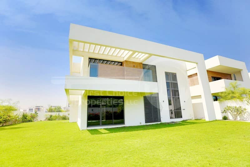 1 Excellent Location!Modernized Villa in Yas