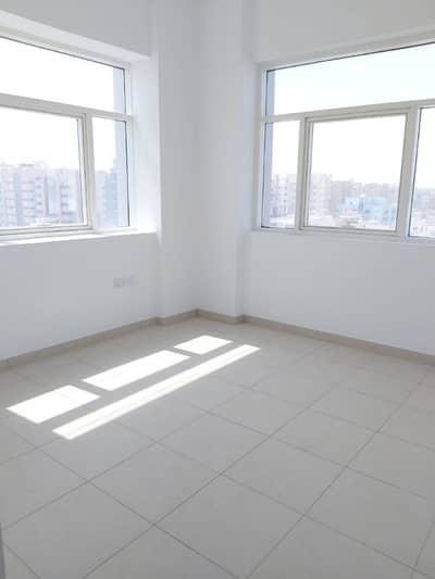 فلیٹ 2 غرفة نوم للايجار في مصفح، أبوظبي - شقة في شعبية مصفح 2 غرف 52000 درهم - 4230097