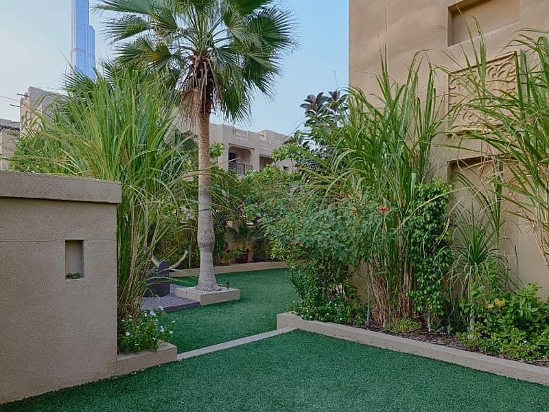 10 Upgraded Rare Garden 3 Bedroom Apartment