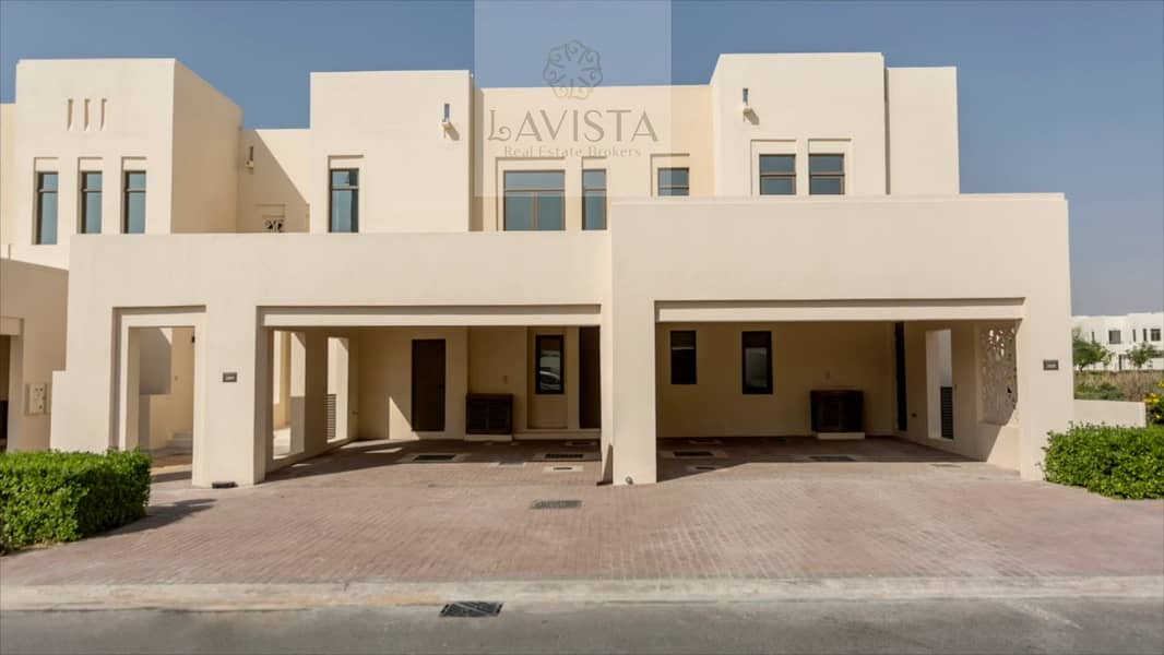 Ready 3 beds townhouse in Mira Oasis