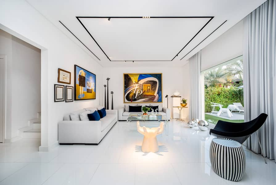 2 Fully Upgraded   Contemporary   Family Home