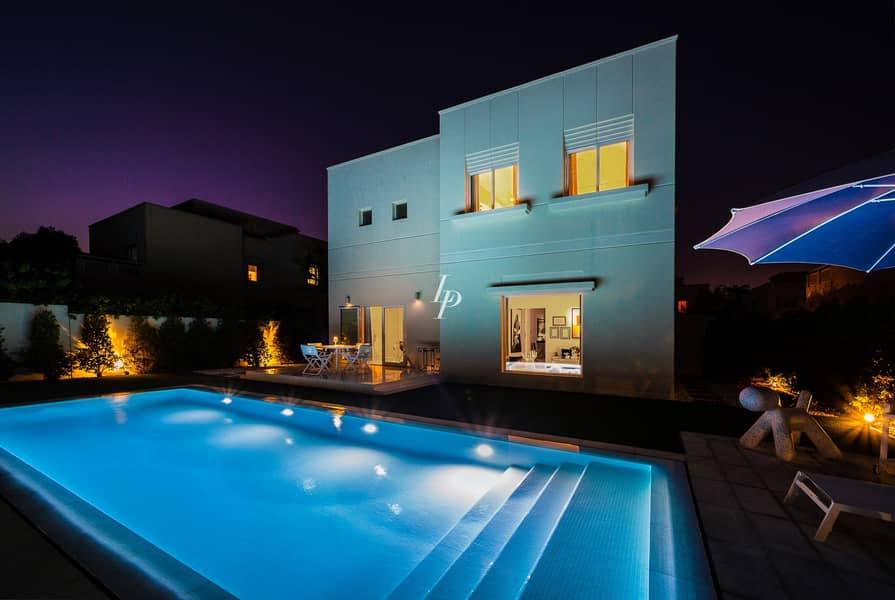 11 Fully Upgraded   Contemporary   Family Home