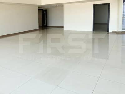 شقة 3 غرفة نوم للايجار في الطريق الشرقي، أبوظبي - Vacant!! With Maid's Room at Khalifa Park.