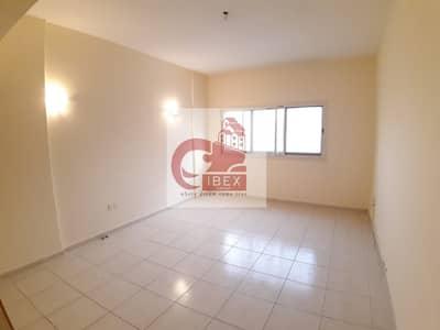 فلیٹ 2 غرفة نوم للايجار في القصيص، دبي - Well designed / huge 2bhk with store room front of metro prime location call.