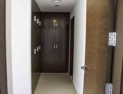1 Bedroom Flat for Sale in Al Reem Island, Abu Dhabi - Clean & Well Maintained :  Sea and Community Views
