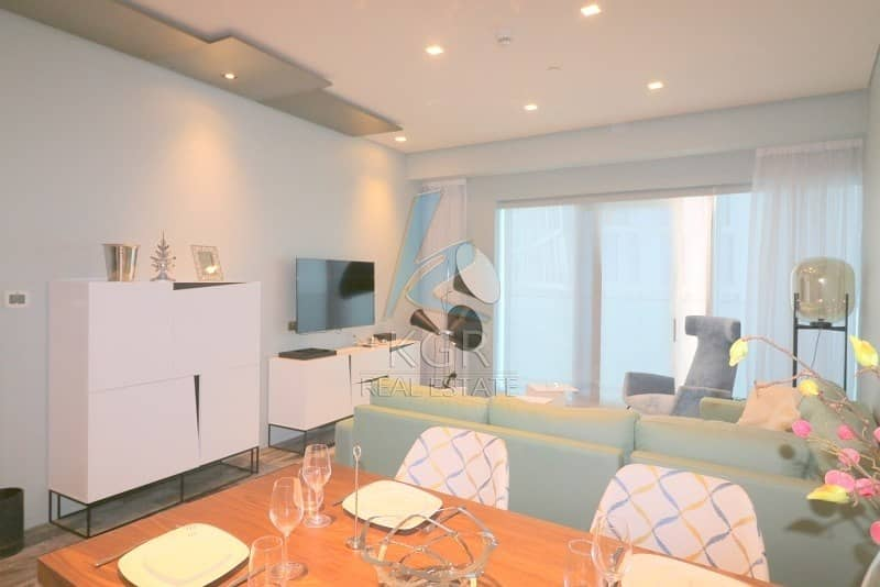 Large 1 Bed Apt Furnished with Palm View