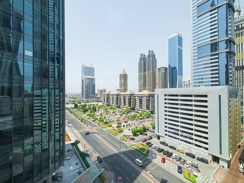 27 Fitted | Full Floor | Emirates Financial Tower