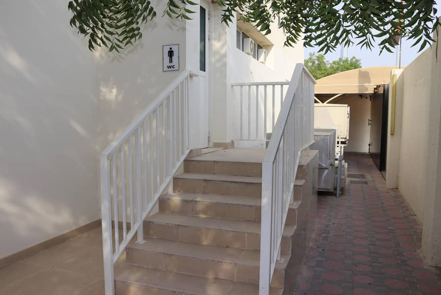 28 Commercial villa for rent - Jumeirah 1