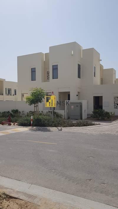 تاون هاوس 4 غرفة نوم للايجار في ريم، دبي - Classy 4 Beds Townhouse l Contemporary Design l Mira Oasis - Reem