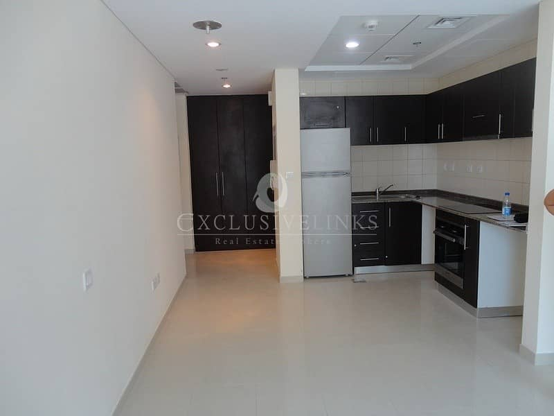 2 Bay Central West low floor apartment for rent