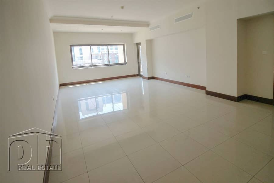 10 Immaculate   Spacious Apartment   Ready to Move