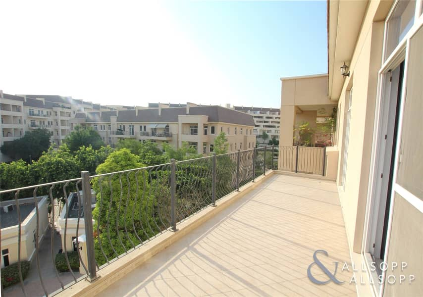 2 Pool View | One Bedroom | VOT | Parking