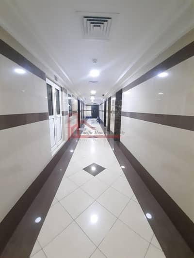 فلیٹ 2 غرفة نوم للايجار في الورقاء، دبي - Specious Size 2 bedroom With Both Master room