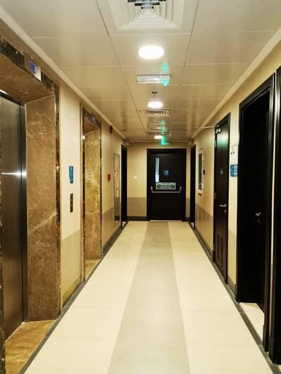 شقة 2 غرفة نوم للايجار في مصفح، أبوظبي - شقة في شعبية مصفح 2 غرف 52000 درهم - 4236620
