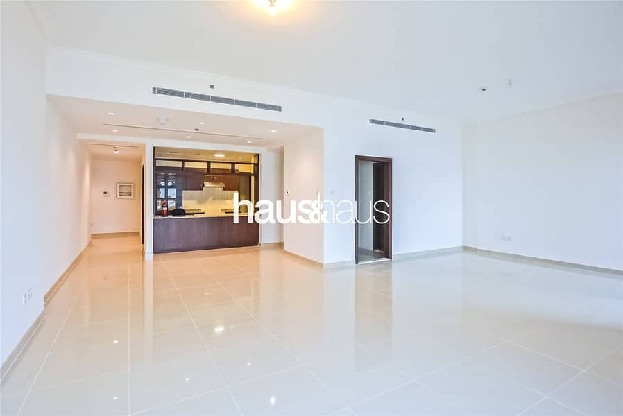 3BR with full sea views | No agency fee | View now