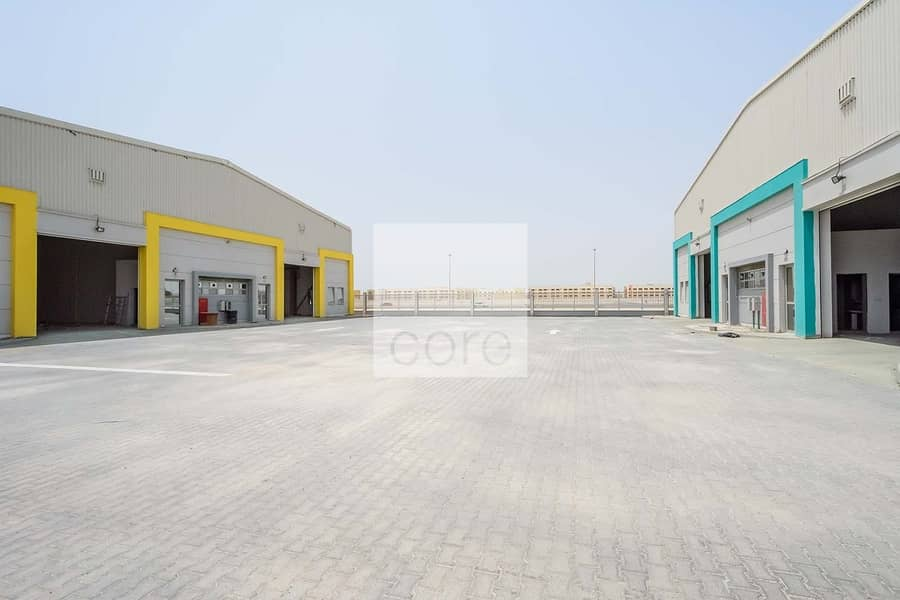 Spacious  warehouse in Mussafah for  rent