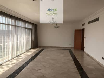 sea view 3 bedrooms apartment for rent with car parking in al corniche  area