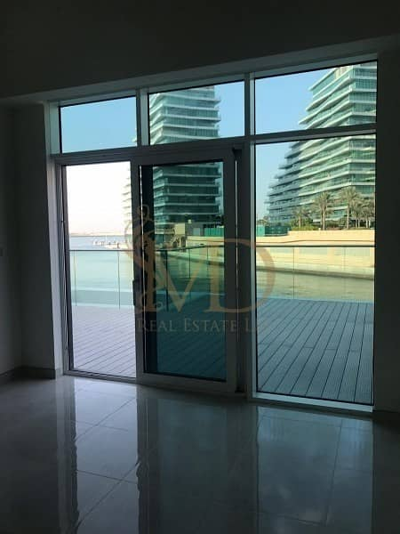 42 Luxurious Waterfront Townhouse!  Sea View!