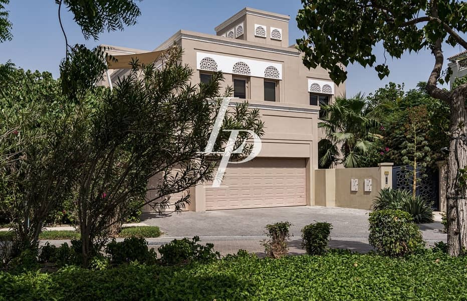 21 Stunning D Type|Available Now for Rent|Huge Plot|