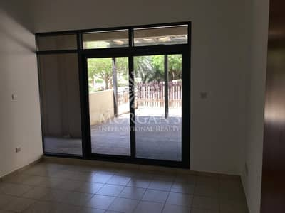 3 Bedroom Flat for Rent in The Greens, Dubai - Unique 3BR with courtyard for rent