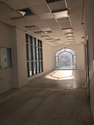 مکتب  للايجار في شارع الشيخ خليفة بن زايد، أبوظبي - مکتب في شارع الشيخ خليفة بن زايد 55000 درهم - 4238887