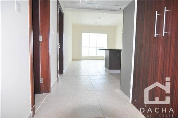 Immaculate high floor Apartment/ flexible cheques
