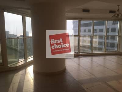 شقة 3 غرفة نوم للايجار في كورنيش البحيرة، الشارقة -  Sharjah