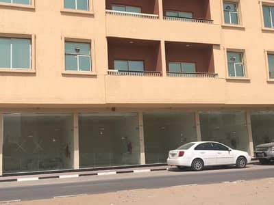 محل تجاري  للايجار في الروضة، عجمان - محل رائع  قريب جدا من جميع الخدمات بتسهيلات للدفع لجميع الجنسيات بعجمان