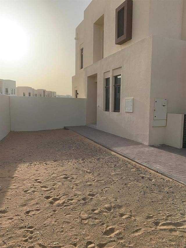10 ELEGANT-VACANT 3 BEDROOM+MAID ROOM VILLA ONLY IN 1.5M-CALL NOW