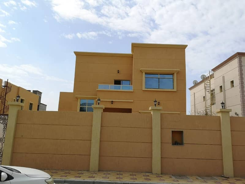 Villa for sale Super Deluxe finishes large area with the possibility of bank financing