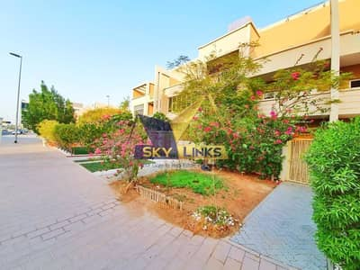4 Bedroom Townhouse for Rent in Jumeirah Village Circle (JVC), Dubai - Best Price 4 BR+Maid TH|Pool|Roof Trance