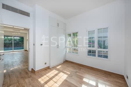 فیلا 3 غرفة نوم للبيع في البحيرات، دبي - Fully Upgraded Throughout | Brand New Villa