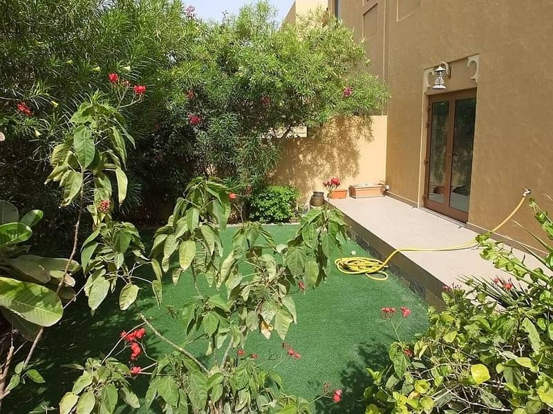 2 A 3BR Townhouse* with landscape garden