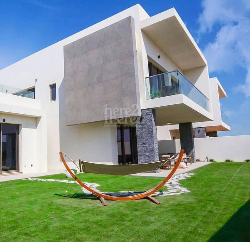 18 Delightful Views ! Living in Yas Acres Lovely Villa.