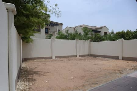 3 Bedroom Villa for Rent in Al Salam Street, Abu Dhabi - Vacant 3 BR Room with Enclosed Loggia - Available!