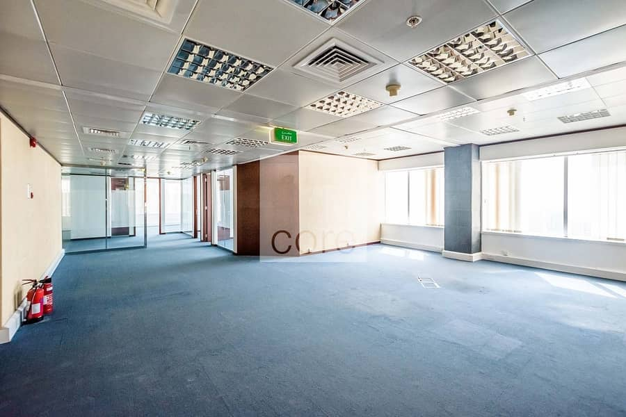Half Floor Office   Well Located   Mid Floor