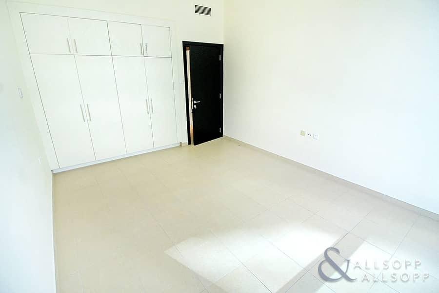 10 2 Bedrooms | 2.5 Bathrooms | Great Views