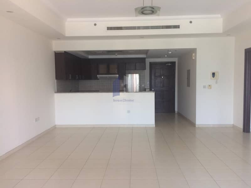 Dazzling   UnFurnished 1bedroom Apartment for Rent| Churchill residence