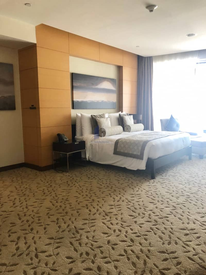 13 LUXURIOUS FURNISHED STUDIO IN THE ADDRESS DUBAI MALL WITH PANORAMIC VIEWS