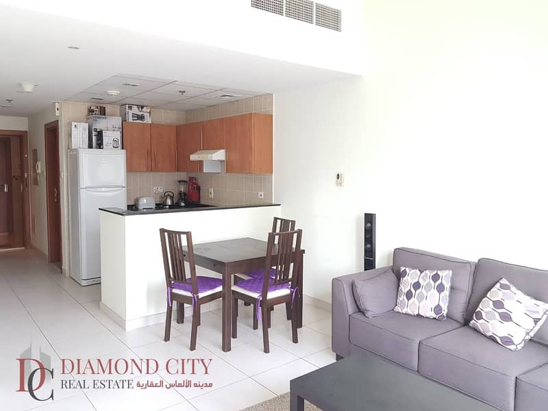 2 Close to beach * Fully Furnished * Spacious *
