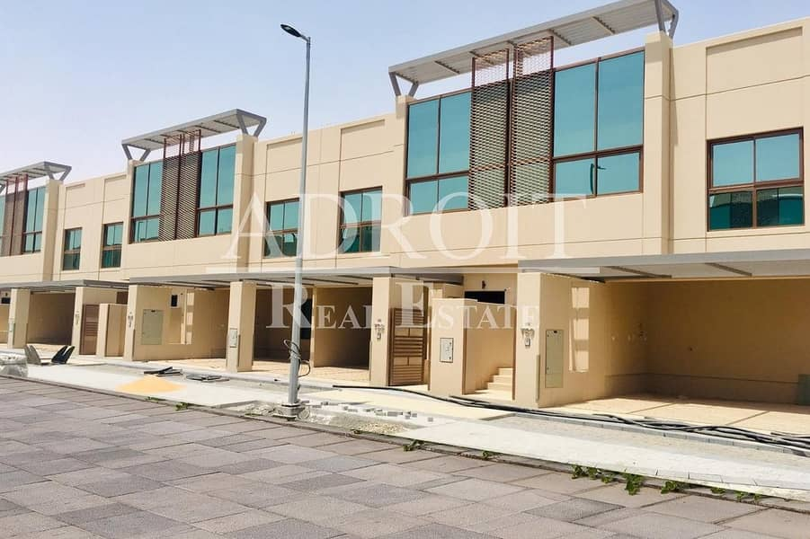 2 Brand New   Middle Unit   Stunning 4BR Semi Detached Villa in Grand Views