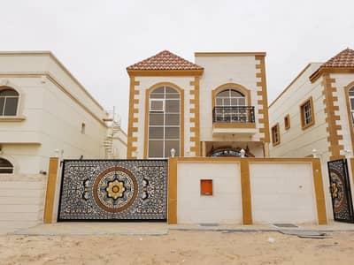 فیلا 5 غرفة نوم للبيع في الروضة، عجمان - فيلا جديدة خمس غرف نوم قريبة من مسجد للبيع بسعر لقطة