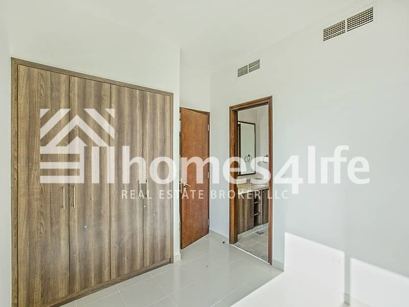 2 Near Pool And Park | Friendly Community