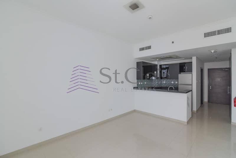 2 Spacious Studio in DEC | Low Floor | Un/Furnished