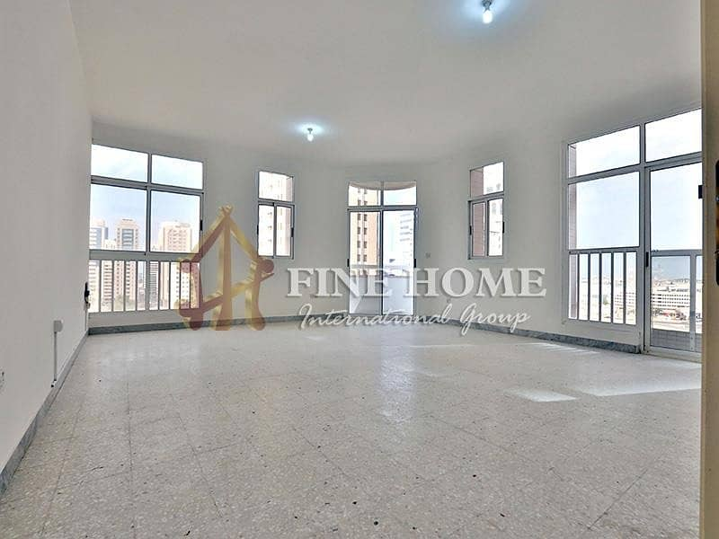 Amazing 3 BR + M apartment In Electra Street