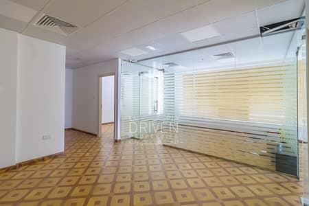 مکتب  للبيع في الخليج التجاري، دبي - Spacious Fully fitted Space Office for Sale